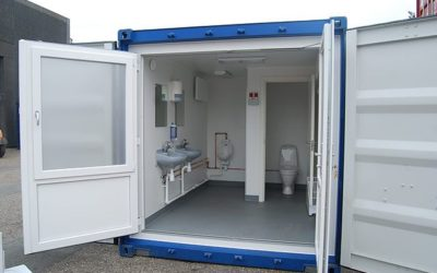 Self-sufficient toilet container