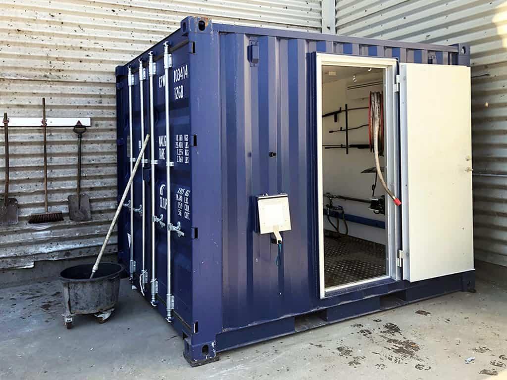 Naqitsinermik saliivimmut containeri