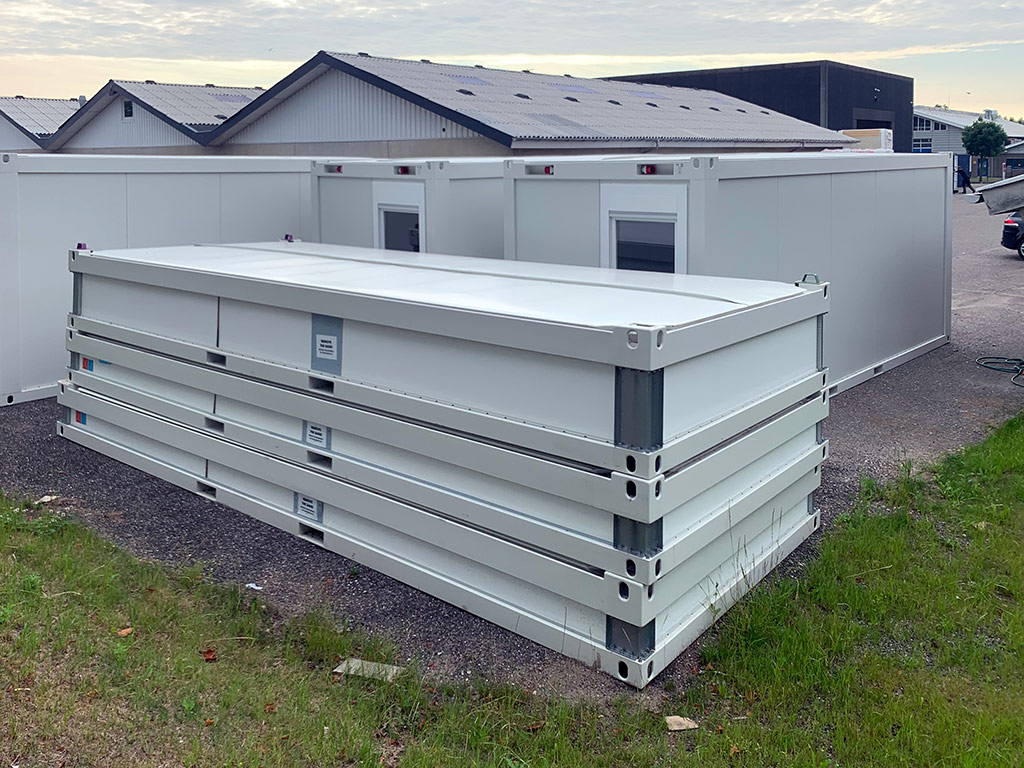 Containeri 20 fodsi saattukujuunngorlugu poortugaq - pilertortumik nassiussaq
